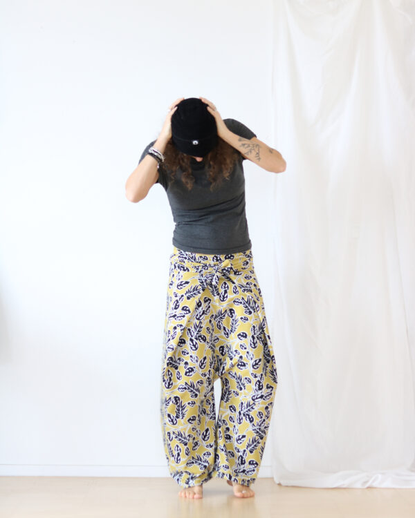 leaves pants 3