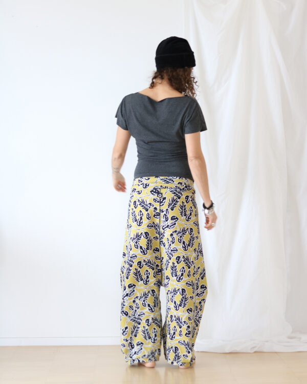 leaves pants 6